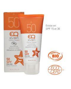 Crème Solaire SPF 50 - 50 ml - Sa texture non desséchante hydrate la peau. Ne coule pas dans les yeux.